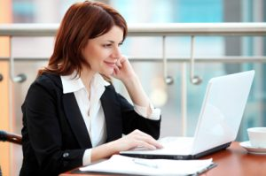 istock_woman_working_on_computer_9039974xsmall